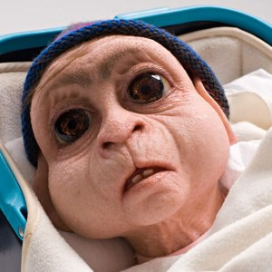 8-sculptures_by_Patricia_Piccinini39